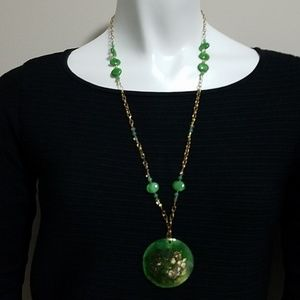 Jewelry - Green & Gold Asian Inspired Necklace